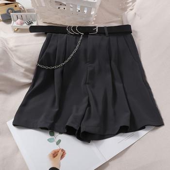 Къси дамски панталони с колан и метална верижка