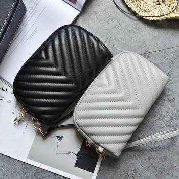 Γυναικείο πορτοφόλι νέο μοντέλο από οικολογικό δέρμα με λαβή