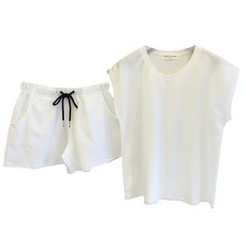 Дамски спортен комплект включващ тениска и къси панталони