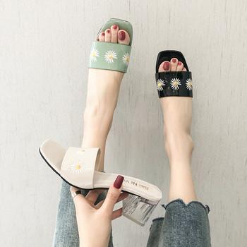 Актуални дамски чехли с прозрачен ток и бродерия