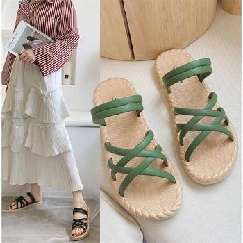 Дамски сандали с равна подметка от еко кожа в няколко цвята
