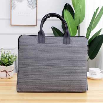 Чанта за лаптоп с къси дръжки и емблема