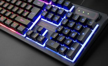 USB клавиатура с LED светлини и 104 клавиша