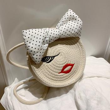 Casual γυναικεία τσάντα σε στρογγυλό σχήμα και 3D διακόσμηση