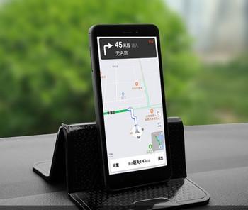 Нов модел силиконова нехлъзгаща се  подложка за кола подходяща за телефон,чаша и ключове