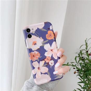 Силиконов калъф за Iphone 11 с цветя