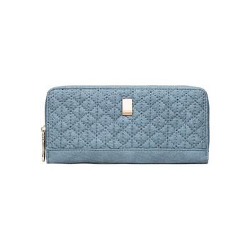 Γυναικείο έκό δερμάτινο πορτοφόλι με μεταλλικό στοιχείο και φερμουάρ