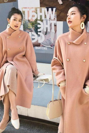 Дълго дамско палто с джобове и копчета