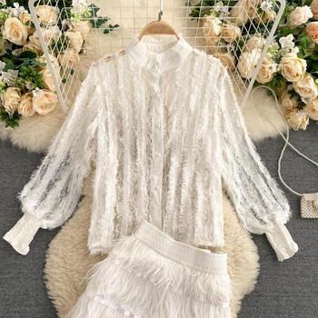 Бял дамски комплект от риза и пола с ресни