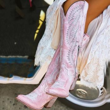 Νέο μοντέλο μπότες με κεντήματα