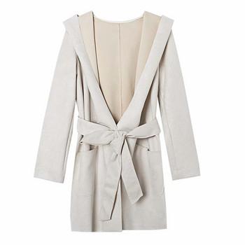Тънко дълго дамско палто с колан